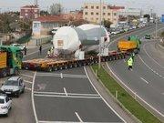 Çorlu 480 tonluk gaz tribünü, 240 tekerlekli çekiciyle taşınıyor