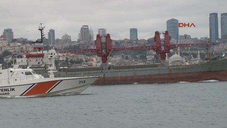 Rus kargo gemisi boğazdan geçti