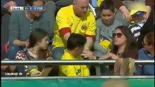 Messi'nin roketi kadın taraftarı yaraladı