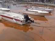 Silivri'de deniz kızıla büründü