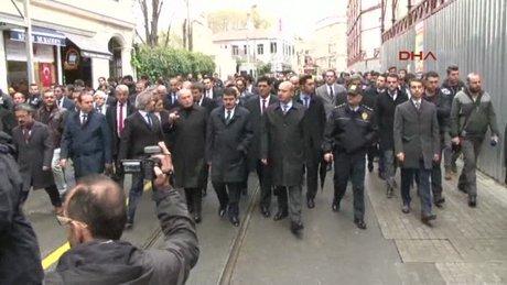 Vali Şahin ile belediye başkanı Topbaş, istiklal caddesinde yürüdü