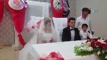 Düğün salonunda kahrolsun PKK sloganları