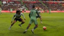 Cristiano Ronaldo'nun Jason Denayer ile karşı karşıya