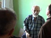 ''Ölüyorum'' diyerek bağıran yaşlı adamı polis kurtardı