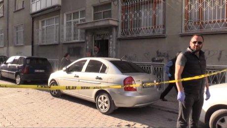 Üç çocuk annesi kadın, evinde bıçakla öldürülmüş olarak bulundu