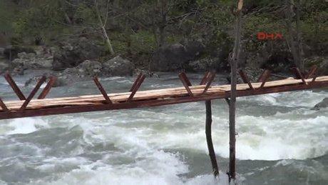 Köprüden ırmağa düşen kadının cesedi bulundu