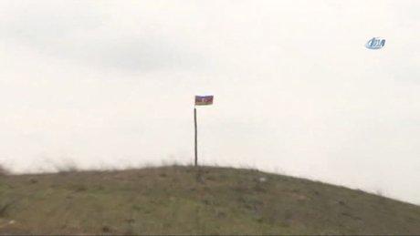 Ermenilerden geri kalan tepeye Azerbaycan bayrağı dikildi