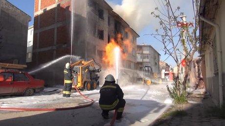 Eskişehir'de iş makinası doğalgaz borusunu patlattı!