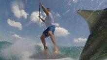Sörf yaparken köpek balığı ile çarpıştı