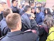 Öğrencilerle özel güvenlik arasında arbede çıktı