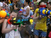 Tayland'da su bayramı yine kana bulandı