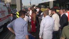 2 Metrobüs çarpıştı; 4 yaralı