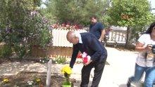 Asil Nadir KKTC'de annesinin kabrini ziyaret etti