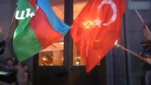 Ermenistan'da Türkiye bayrakları yakıldı