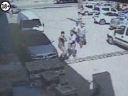Damat- kayınpeder sokakta çatıştı; 4 yaralı