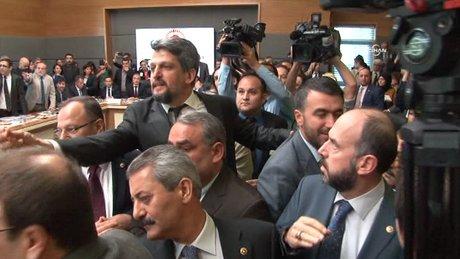 Anayasa Komisyonu'nda yer tartışması yaşandı