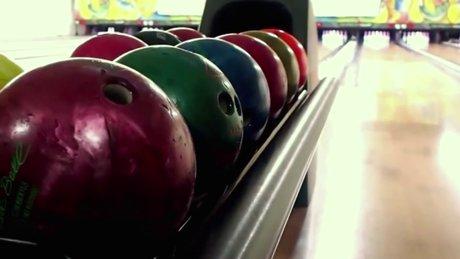 Bowling topunun içini açtılar