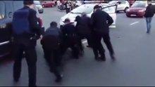 Şampiyon güreşçi 7 polisle kavga etti