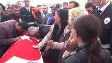 Şehit polis memuru Mehmet Öter için tören