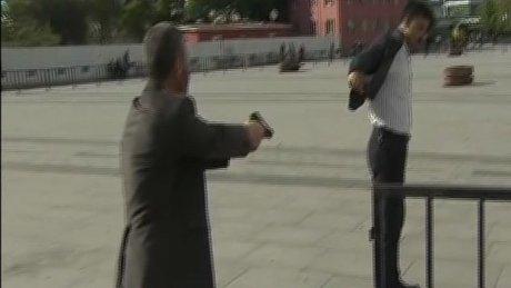 Silahlı saldırganın yakalanma anı