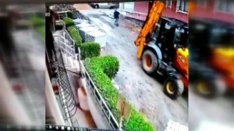 Yol çalışması yapan kepçe, 83 yaşındaki adamı böyle ezdi