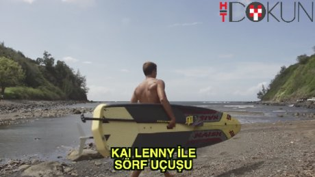 Kai Lenny sörf yaparak uçuyor