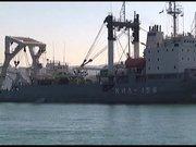 """Rus askeri gemisi güvertesinde """"tankla"""" istanbul boğazı'ndan geçti"""