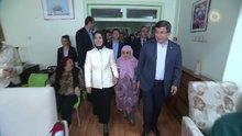 Davutoğlu'dan huzurevine Anneler Günü ziyareti