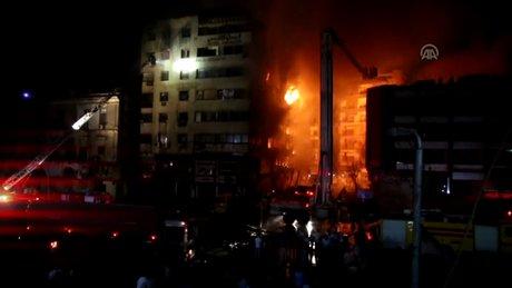 Kahire'de yangın 20 yaralı