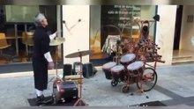 Sokak müzisyeninden muhteşem gösteri