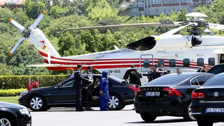 Erdoğan kızının nikahına helikopterle geldi