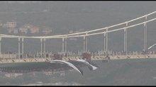 Beşiktaş bayrağı 3. köprüye asıldı