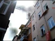 Balat'ta 3 katlı binada yangın