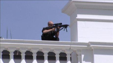 Bayaz Saray'da silah sesleri!