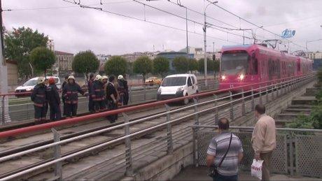 Tramvay hattında çalıntı otomobil alarmı