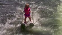 Dünyanın en genç su kayakçısı