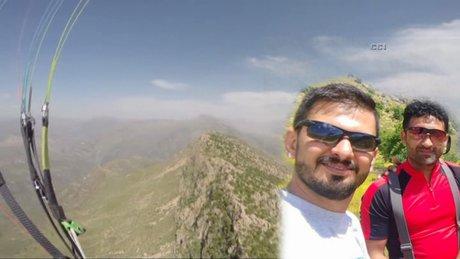 Yamaç paraşütçülerine PKK kurşunu kamerada!