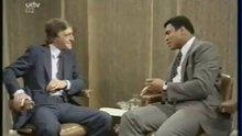 """Muhammed Ali'nin """"Koruman var mı?"""" sorusuna yanıtı"""