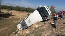Yozgat'ta yolcu otobüsü devrildi