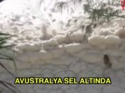 Avustralya sel altında