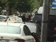 İstanbul Vezneciler'de çevik kuvvet otobüsüne saldırı