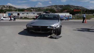 Otomobille motosiklet çarpıştı 1 ölü