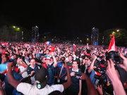 Eyfel Kulesi önünde maç heyecanı