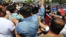 CHP'liler ile polis arasında arbede