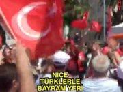 Türk taraftarlar Nice'i coşturdu