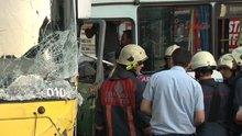 Yolcu dolu minibüs ile otobüs kafa kafaya çarpıştı