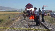 Elazığ'da tren minibüse çarptı