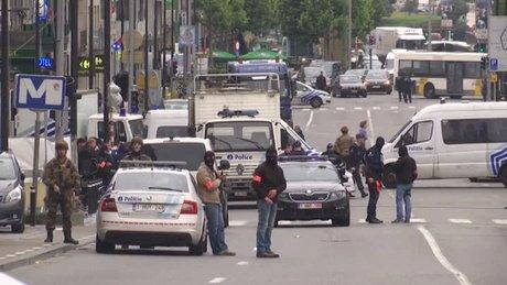 Brüksel'de alışveriş merkezi yakınlarında şüpheli kişi yakalandı