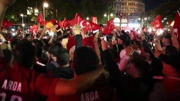 Türk taraftarlar böyle sevindi
