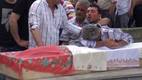 Trabzon'da kazada hayatını kaybeden kız kardeşler toprağa verildi